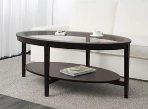 Duży stolik kawowy ze szklanym blatem do salonu
