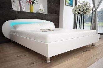 Białe łóżko do sypialni tapicerowane 140 x 200 cm z taśma led