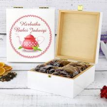 Zestaw owocowych herbat w drewnianym pudełku z nadrukiem Herbatka Babci
