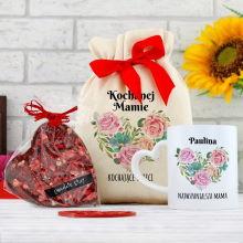 Kubek i czekolada w bawełnianym woreczku z nadrukiem dla mamy – Serce z Róż