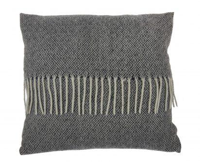 Dekoracyjna poduszka z frędzlami kenley 45×45 biało-czarna