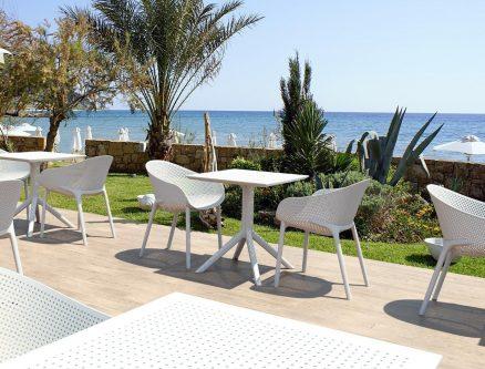 Designerskie krzesło kawiarniane z ażurowym siedziskiem sky